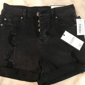 Pants - Dillard's CP black jean shorts